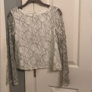 Black/white lace long sleeved top